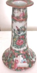 C. 1900 CHINESE EXPORT ROSE MEDALLION CANDLESTICK