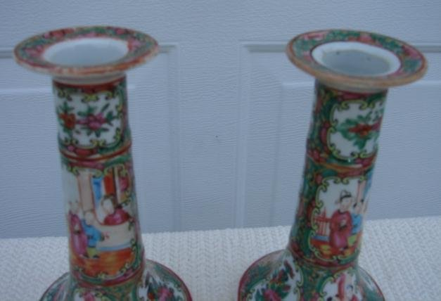 C. 1880 CHINESE EXPORT PAIR ROSE MEDALLION CANDLESTICKS 7