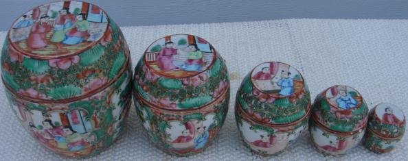 C. 1875 SET OF (5) ROSE MEDALLION BARREL BOXES W/COVERS