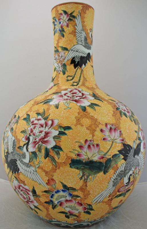 Jingdezhen Painted Porcelain Vase