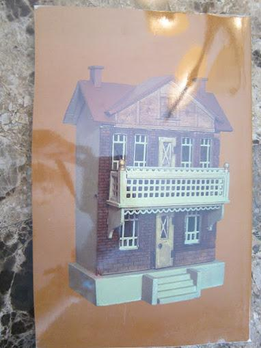 Dollhouses Past and Present