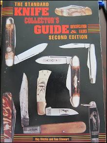 The Standard Knife Collector's Guide: Identification & Values (Second Edition)