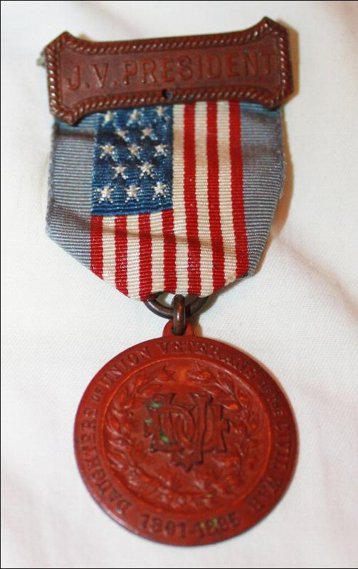 Daughters of the Union Veterns of the Civil War Bornze Medal and Ribbon