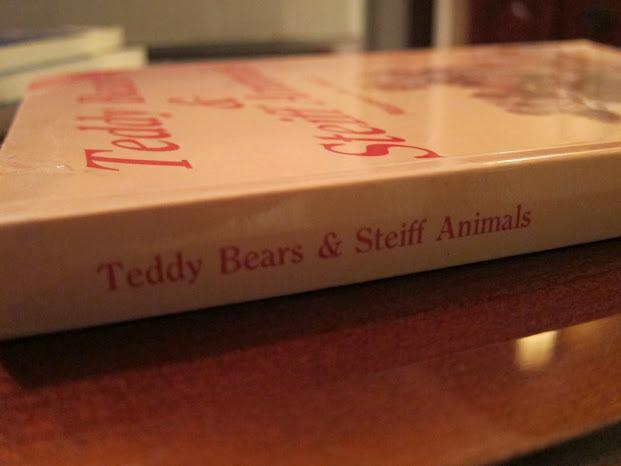 Teddy Bears & Steiff Animals: Full Color Identification & Value Guide