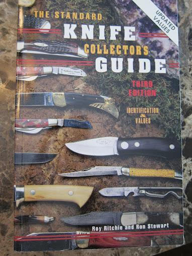 The Standard Knife Collector's Guide: Identification & Values (Third Edition)