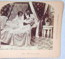 STEREOVIEW -  BABY'S FIRST FEEDING FROM DAD