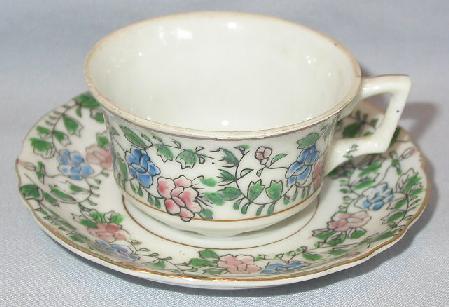 BEAUTIFUL  HANDPAINTED TEA CUP & SAUCER