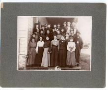 PHOTOGRAPH OF VICTORIAN GROUP