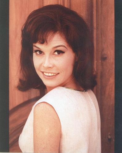 THE BEAUTIFUL MARY TYLER MOORE