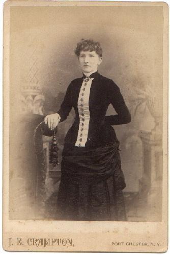 STANDING PORTRAIT OF A VICTORIAN WOMEN