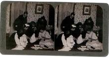 COMICAL STEREOVIEW - WEIGHING THE BABY