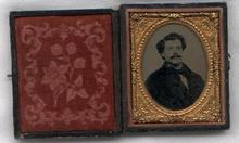 1/9 PLATE AMBROTYPE OF MAN