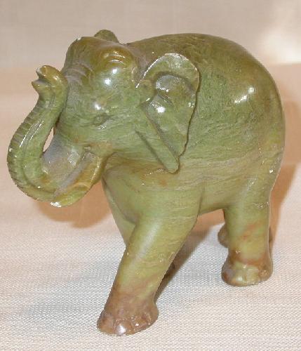 ONYX ELEPHANT & SOAPSTONE ELEPHANT