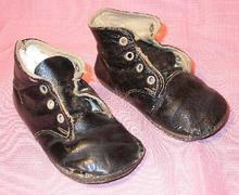 1930s BLACK HIGH TOP CHILDREN'S SHOES