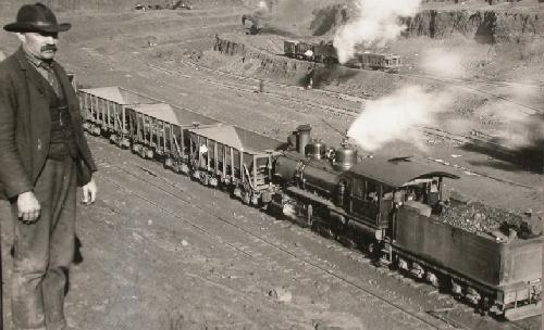 STEREOVIEW - OPEN PIT MINING TRAIN
