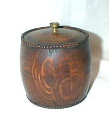 OAK TOBACCO JAR