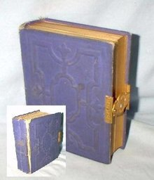 VICTORIAN PHOTO ALBUM FEATURING - CARTE DE VISITES