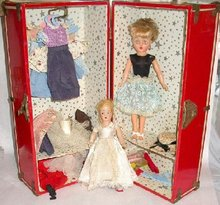 DOLL SUIT CASE WITH DOLLS AND CLOTHES