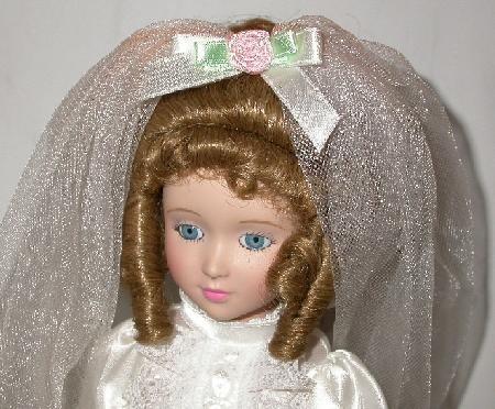 BEAUTIFUL PORCELAIN BRIDE DOLL