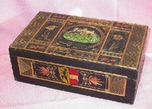 OUTSTANDING INLAID STRAW DECORATED BOX FROM AUSTRIA
