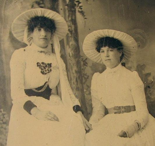 SISTERS?? - 1870s TINTYPE PHOTOGRAPH