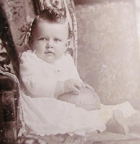 CUTE VICTORIAN BABY