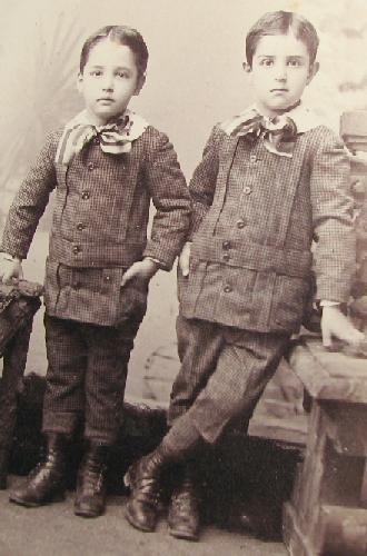 TWINS BOYS? - VICTORIAN CABINET PHOTO