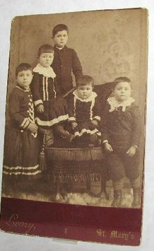 GREAT CABINET PHOTO - FIVE VICTORIAN CHILDREN!