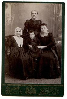FOUR GENERATIONS OF VICTORIAN WOMEN