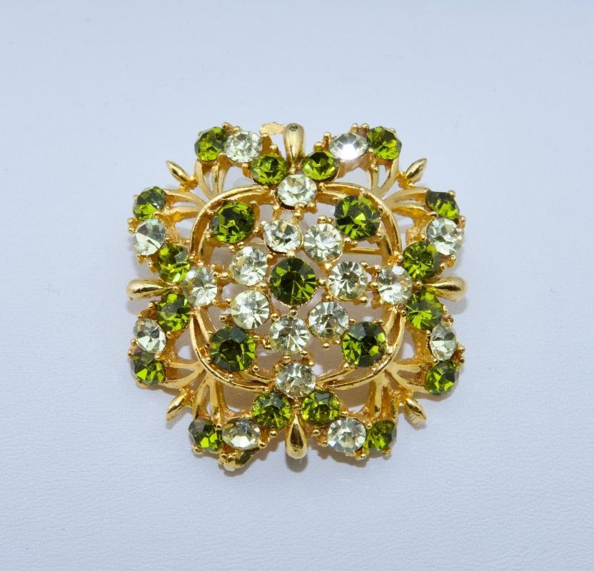 Lovely Green Lisner Brooch