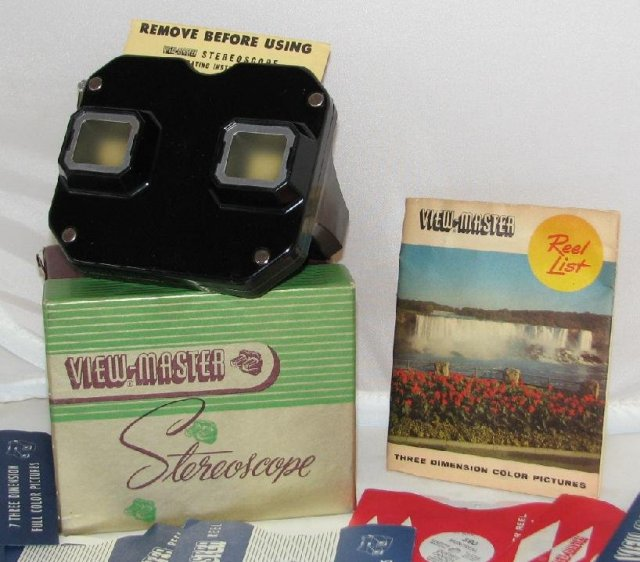 1950s VIEWMASTER WITH CANADIAN REELS