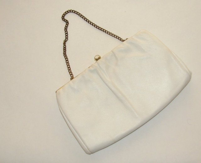 WHITE LEATHER PURSE