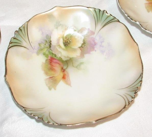 BEAUTIFUL HAND PAINTED BERRY BOWL SET