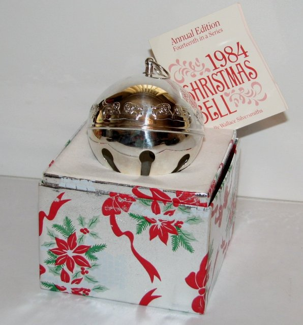 1984 WALLACE SILVERPLATE SLEIGH BELL ORNAMENT