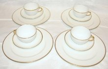 HAVILAND LIMOGES DINNERWARE SET