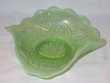 OPALESCENT GREEN DISH