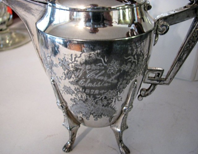LOVELY SILVERPLATE TEAPOT - FLORAL MOTIF
