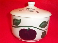 WATT POTTERY APPLE GREASE JAR WATT Collectors Assoc. 1995 Apple Grease Bowl