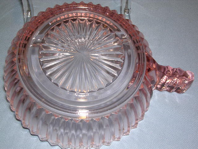 QUEEN MARY PINK DEPRESSION FOUR INCH HANDLE BOWL