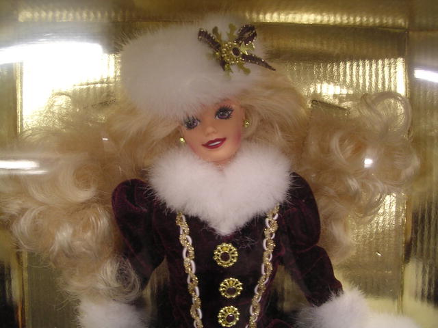 1996 HOLIDAY BARBIE CHRISTMAS EDITION DOLL  MIB