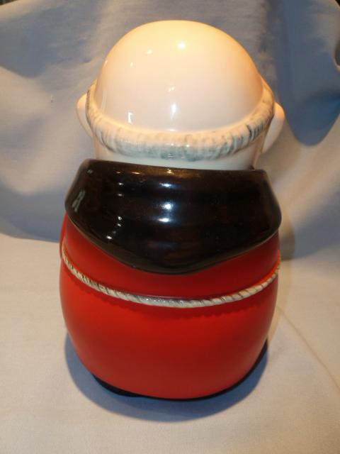 GOEBEL CARDINAL TUCK RED COOKIE JAR K29