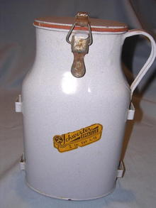 VINTAGE SCHWERTER GERMAN BLUE GRANITEWARE ENAMEL THERMOS W/ ORIG LABEL