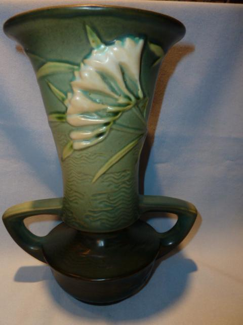 ROSEVILLE FREESIA 124-9 GREEN HANDLED  VASE