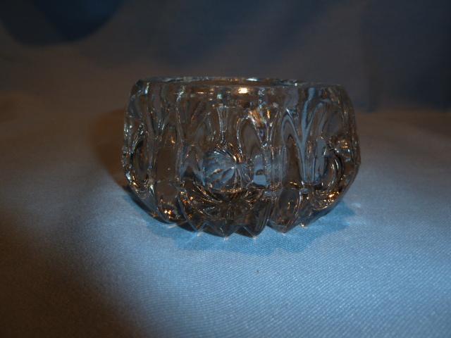 ANTIQUE HEAVY GLASS   CRYSTAL THUMBPRINT DESIGN MASTER SALT