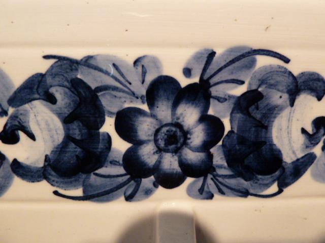VINTAGE POLISH POTTERY THREE (3) HOOK WALL TOWEL RACK BLUE FLOWER