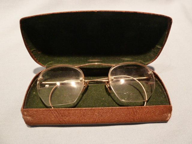 VINTAGE 12K GOLD FILLED BIFOCAL WIRE RIM GLASSES IN ORIG CASE