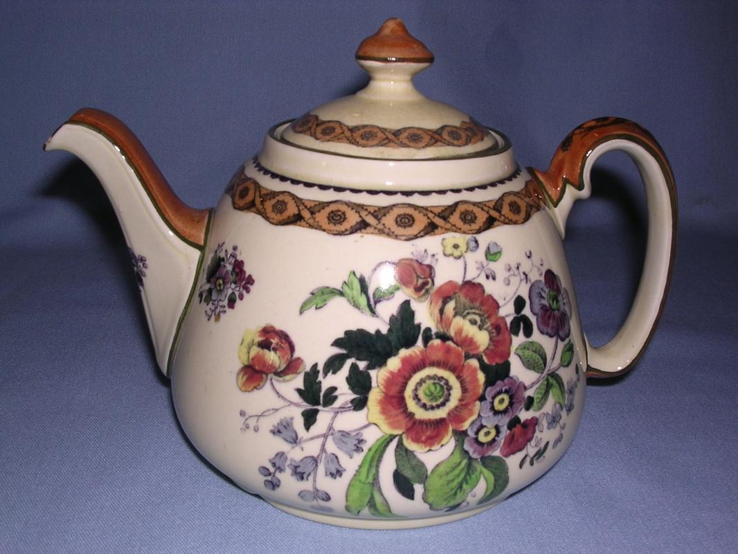 ROYAL DOULTON  TEA TILE FLORAL TEAPOT D3605 ANTIQUE ENGLAND