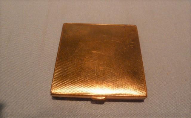 PATINA NEEDLEPOINT TOP GOLD TONE COMPACT  ENGLAND