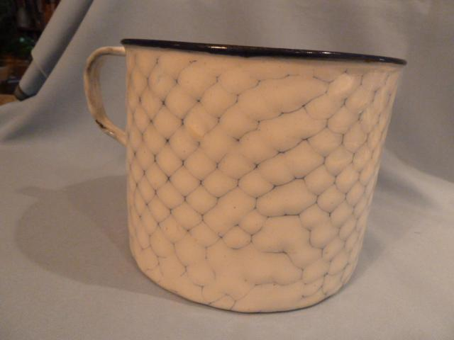 ANTIQUE GERMAN CHICKEN WIRE GRANITEWARE GRANITE ENAMEL ONE HANDLES POT