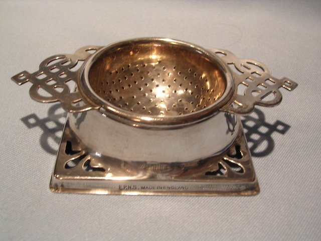 ENGLISH   SILVER PLATE  2 PIECE TEA STRAINER